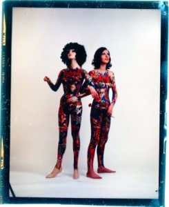 Täuschend ähnlich: Das Model und das Modell Foto: Ferry Ahrlé
