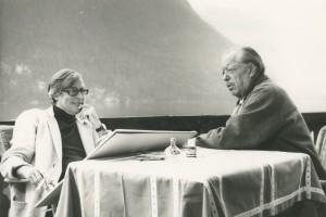 """Fernsehserie HR """"Sehr ähnlich, wer soll's denn sein?"""", Ferry Ahrlé und Paul Dahlke 1980 am Grundelsee. Foto: Ferry Ahrlé"""
