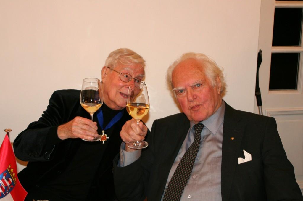 Ferry Ahrlé und Prof. Hilmar Hoffmann, Frankfurter Kulturpapst, bei der Verleihung des Hessischen Verdienstordens an Ferry Ahrlé 3.12.2014