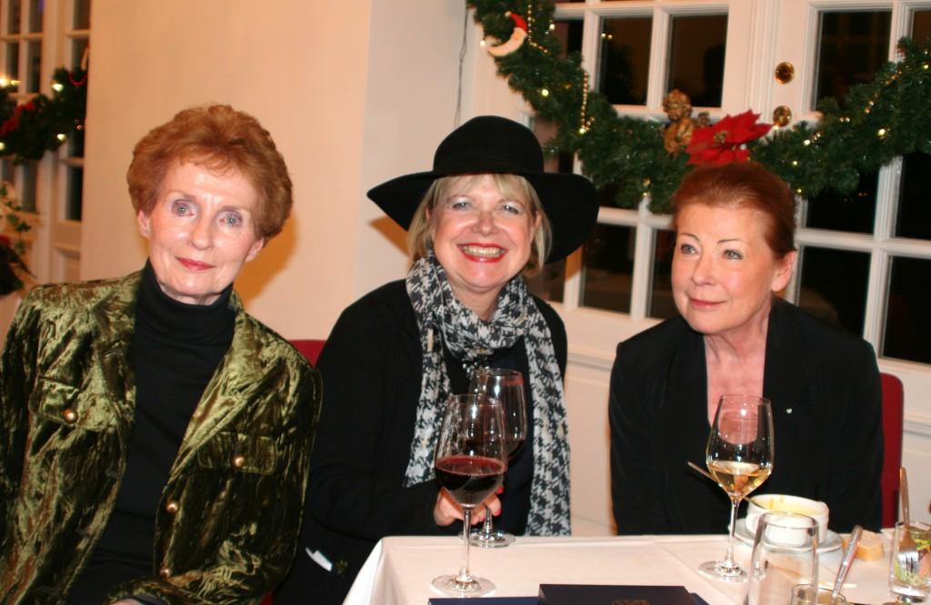 Sigrid Ahrlé, Edda Rössler und Renate Schroeter bei der Verleihung des Hessischen Verdienstordens an Ferry Ahrlé 3.12.2014 (c) ROESSLER PR